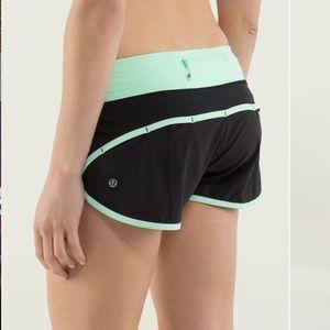 Lululemon Run Speed 4 way Shorts Sz 4